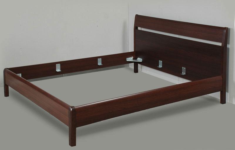 Кровать на ножках фото